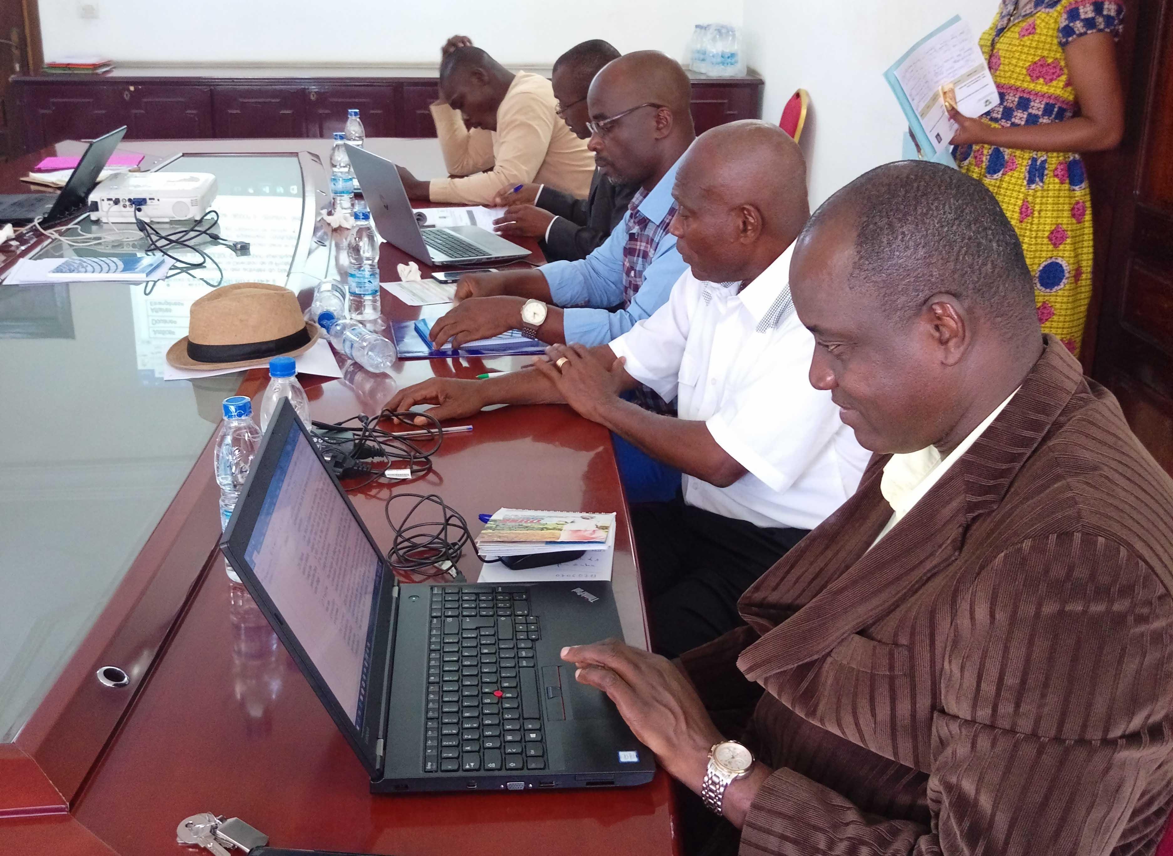 COMMUNIQUE DE PRESSE : LUTTE CONTRE LA DEFORESTATION EN COTE D'IVOIRE : Les projets devront désormais passer le filet de la sauvegarde sociale et environnementale.